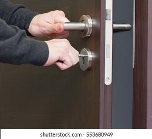 hand unlock house door