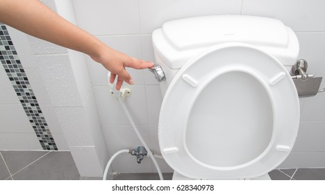 Hand use flush cleaning toilet