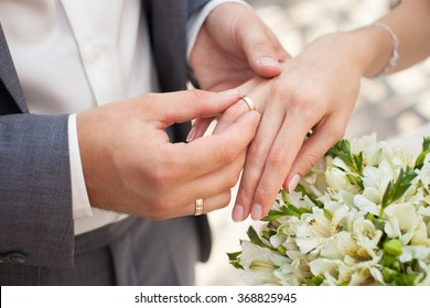 hand wedding