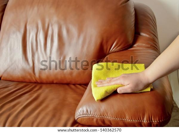 Handwischcouch braun