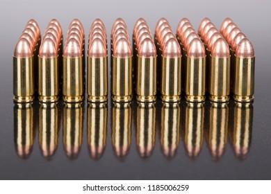 Handgun ammunition reflection bullet