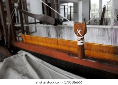 Handloom weaving mechanism  in India