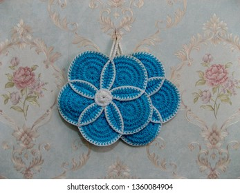 Handmade Crochet Pot Holder and Washcloths