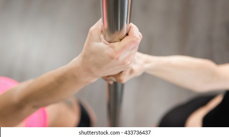 Hands on dancing pole - pole fitness class