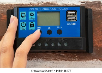 hands on solar charge controller