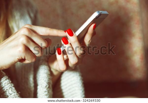 スマートフォンのタッチスクリーンとアプリの使用