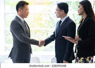Handshake for Business deal Business Mergers and acquisitions