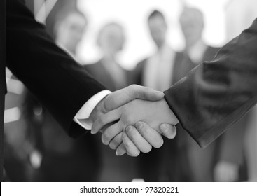 handshake on signing contract
