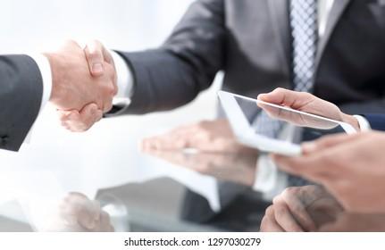 handshake of proven partners