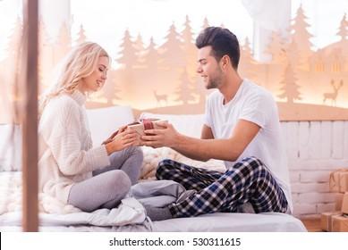 Online dating profiili vielä ylös