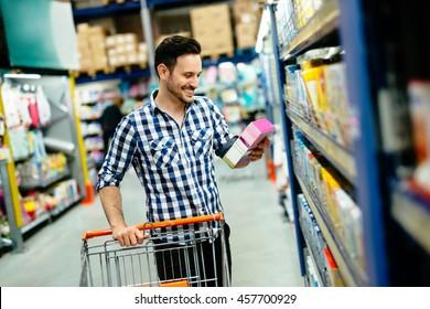 Hombre Supermercado Imagenes Fotos De Stock Y Vectores Shutterstock Nosotros los guapos temporada 4 capitulo 22 ¡el vítor se convierte en biker para ligar! https www shutterstock com es image photo handsome man shopping supermarket pushing trolley 457700929