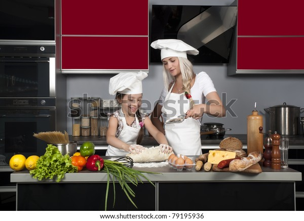 mom and daughter raw vegan diet