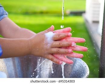 Handwashing children