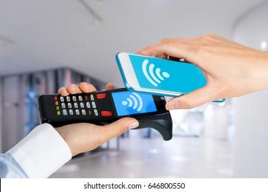 handy terminal and smart phone. Cashless settlement.