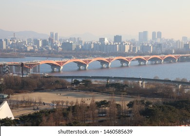The Hangang ,The Han River is one of the largest rivers in the world near the capital.