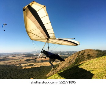 hang-gliding launching