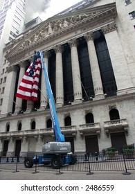 Hanging the American Flag on the New York Stock Exchange Building