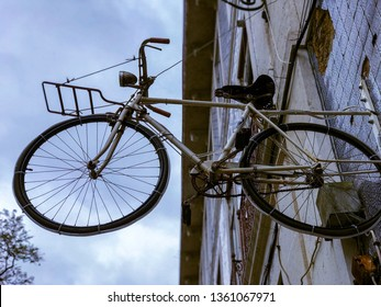 The hanging bicycle