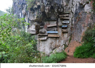 The hanging coffins of Sagada, an important touristic destination in Philippines