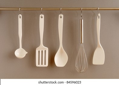 Hanging kitchen implements