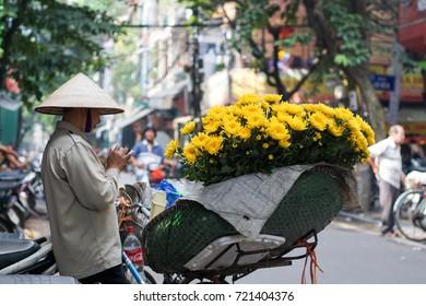 Hanoi Vietnam September 24 2017 Life in Vietnam- Hanoi,Vietnam Street vendors in Hanoi's Old Quarter