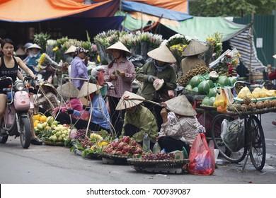Hanoi, vietnam : Street vendors in Hanoi's Old Quarter on Aug 3 2017