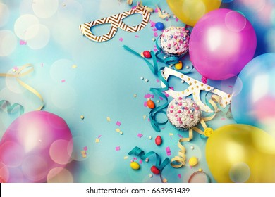Fröhliches Geburtstagskonzept mit Kopienraum
