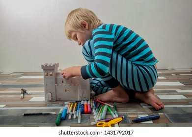 Toddlers Coloring Stock Photos, Images & Photography ...