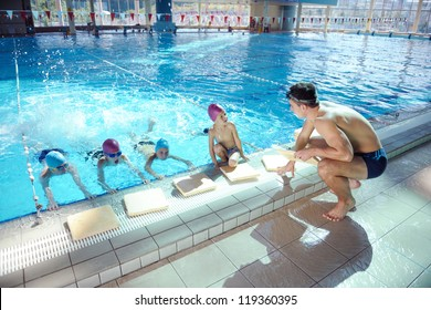 happy chid have fun on swimming pool