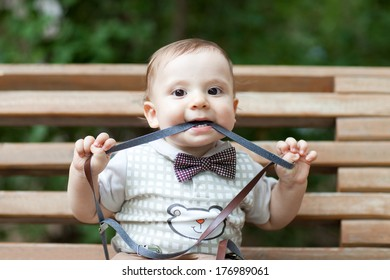 happy child on the bench