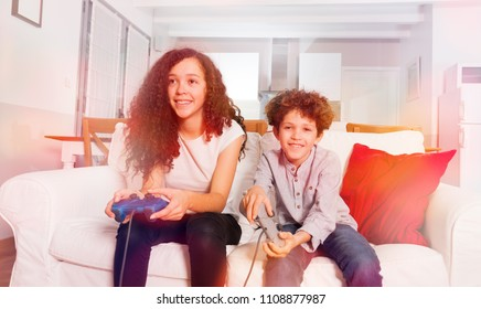 1c54c96d843b Happy children playing computer games at home