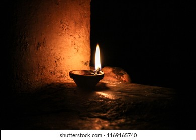 Happy Diwali, Deepam oli at night