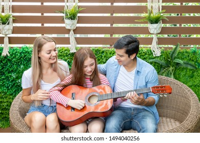 Father Daughter Singing Images, Stock Photos & Vectors