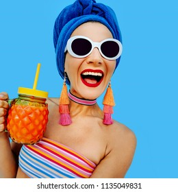 Happy Girl African Beach Party Style In fashion summer accessori