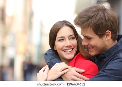 Dating uw vriend ex GFdating een man met een zwervend oog