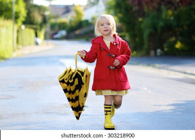 Beautiful Little Girl With Umbrella Outdoors Child Images 0012ea3ef962