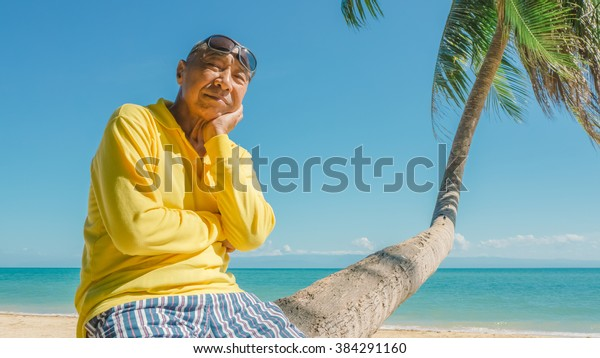 Old man on vacation