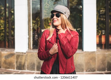 Happy smiling beautiful plus size model . Close up large girl smiling on a sunny day with good mood, Photo of new age standard of beauty, autumn time