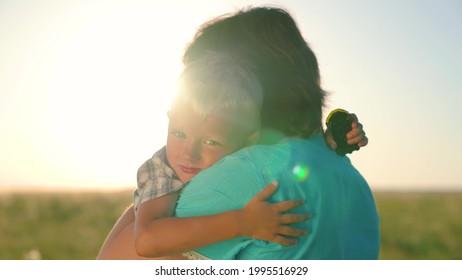 Mutter sohn bilder und Bilder Mutter