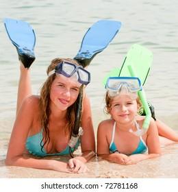 Happy summer vacation - snorkel girls portrait