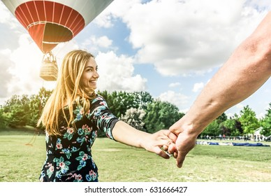 Couple Hot Air Balloon Images Stock Photos Vectors Shutterstock