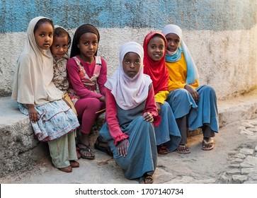HARAR - ETHIOPIA - DECEMBER 25, 2012: Unidentified young muslim girls in Gey Medresa Primary School in Harar, Ethiopia