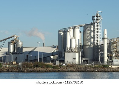 Harbour side industrial chemical complex in Port Melbourne 2017