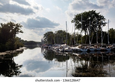 Harbour of Toronto Island on a summer day