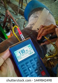 Hardness testing of alloy pipe and welding after a post weld heat treatment (PWHT), Focus on monitor