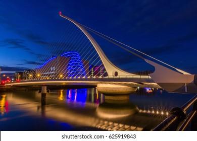 the harp bridge Dublin, Ireland