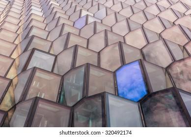Harpa windows