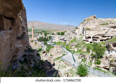 Hasankeyf in Batman City / Turkey. (Batman is one of the cities located in Southeastern Turkey. The ancient city of Hasankeyf, built on and around the banks of the river in southeastern Turkey.)