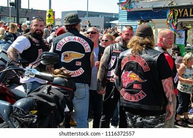 Imágenes, fotos de stock y vectores sobre Hells Angel Biker