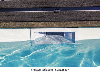 hatch skimmer system of private pool